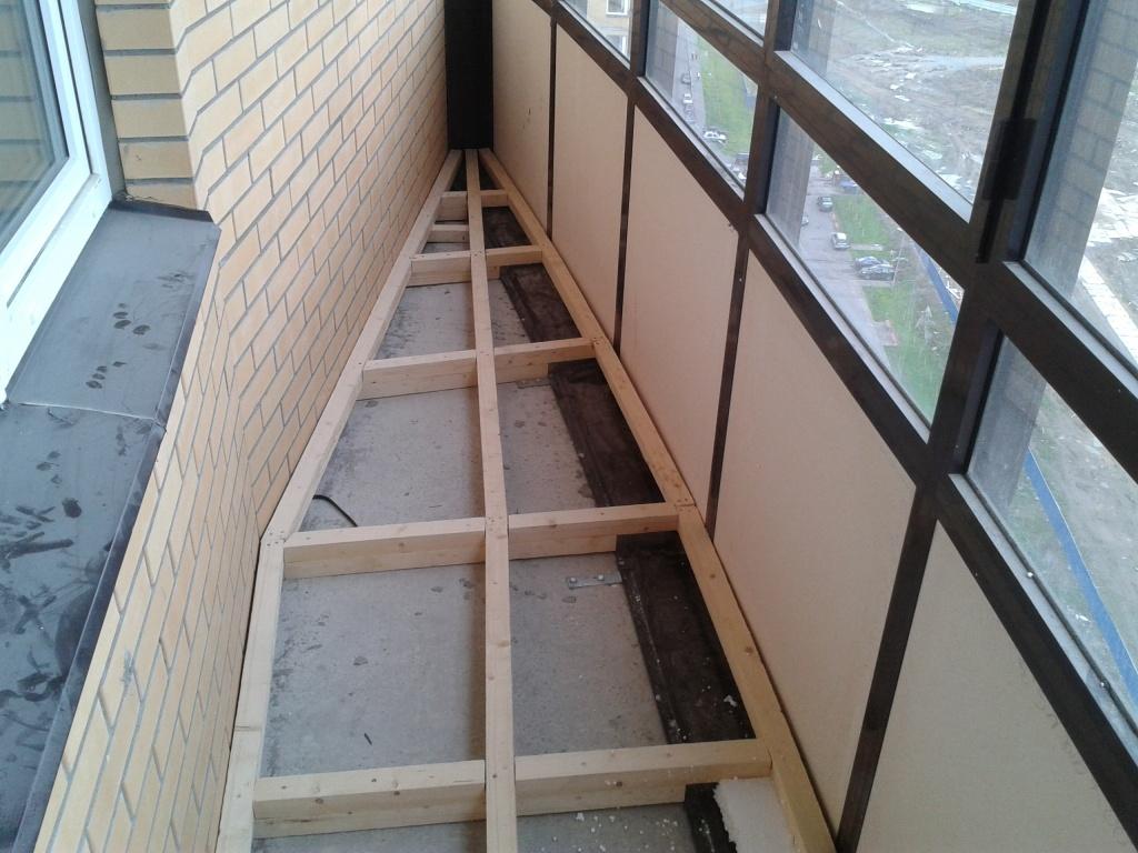 Как выровнять пол на открытом балконе своими руками